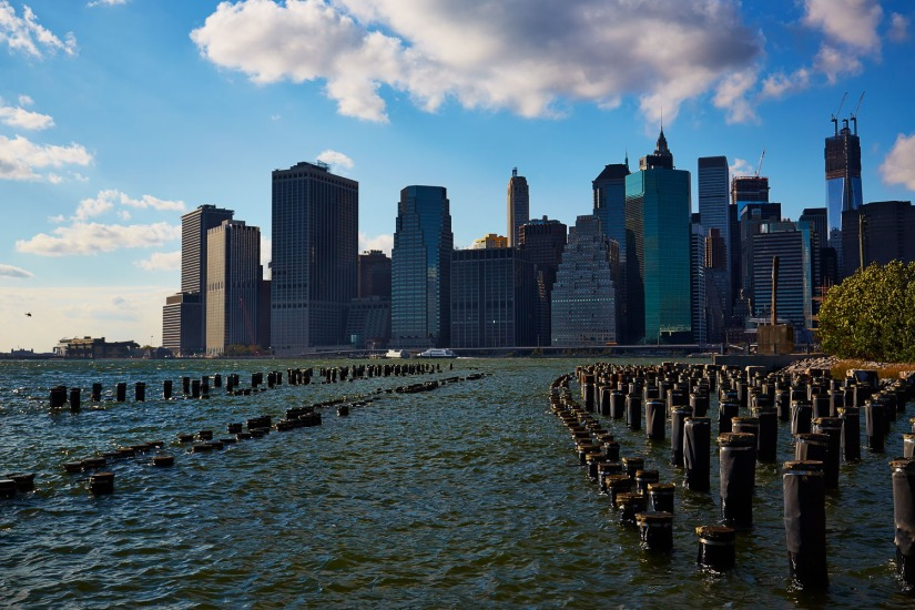 Urban NYC – Manhattan from Brooklyn Bridge Park