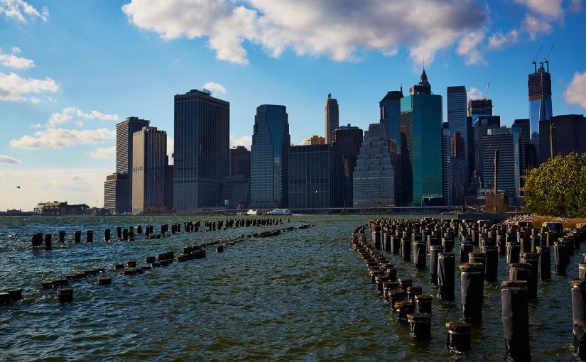 Urban NYC – Manhattan from Brooklyn BridgePark